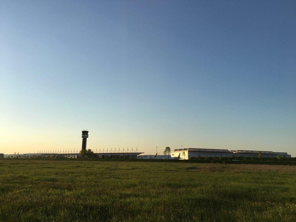 Airbus Werksgelände in Finkenwerder - wandern im Alten Land