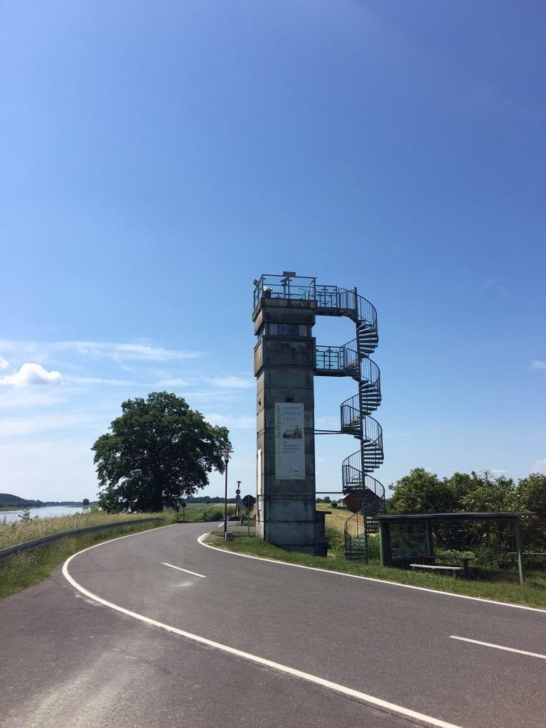 Der alte DDR-Wachturm in Lenzen