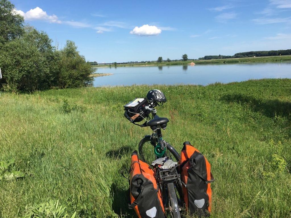 Fahrradtour von Hitzacker nach Wittenberge - Pause an der Elbe bei Wittenberge