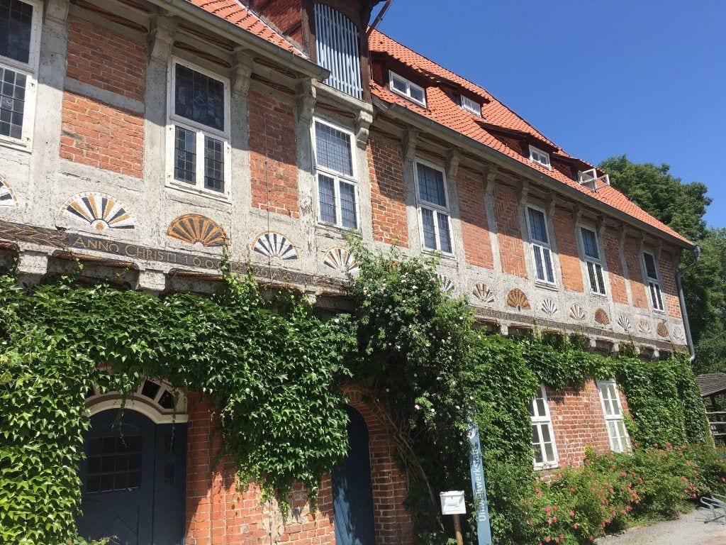 Im Innenhof des Schlosses Bleckede
