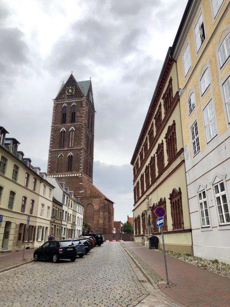 Der Turm von St. Marien in der Wismarer Altstadt