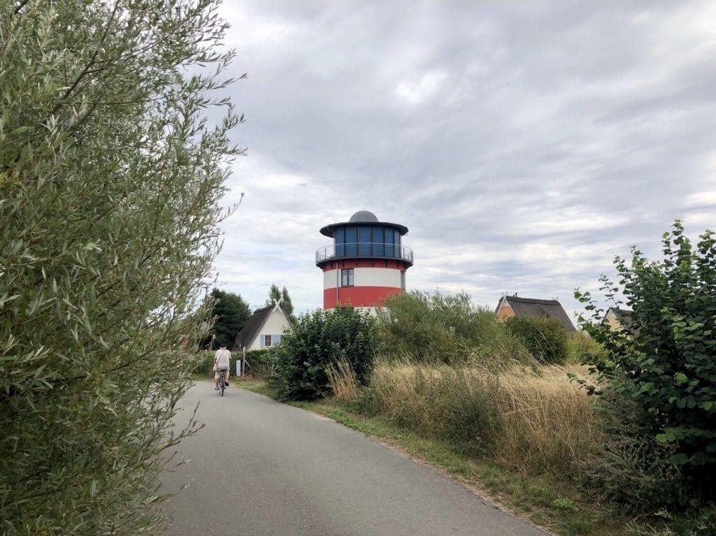 Leuchtturmhaus bei Beckerwitz östlich von Boltenhagen - Fahrradtour auf dem Ostseeradweg