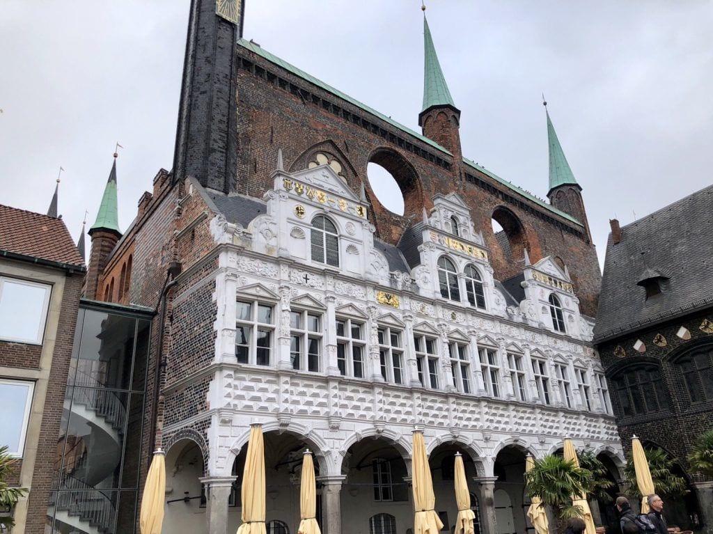 Das Lübecker Rathaus am Marktplatz