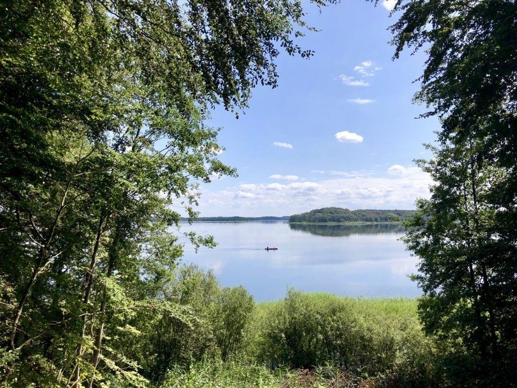 Wandern am Schaalsee: Blick vom Seedorfer Werder über den See
