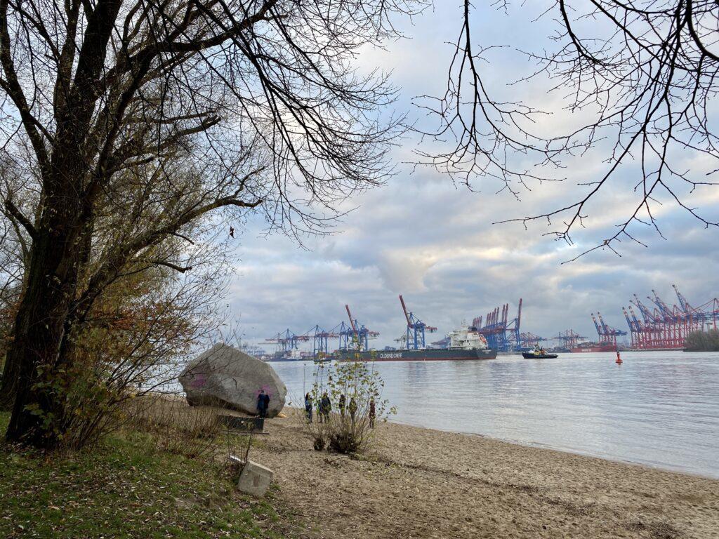 """Der """"Alte Schwede"""" am Elbstrand von Hamburg-Othmarschen kurz vor Övelgönne"""