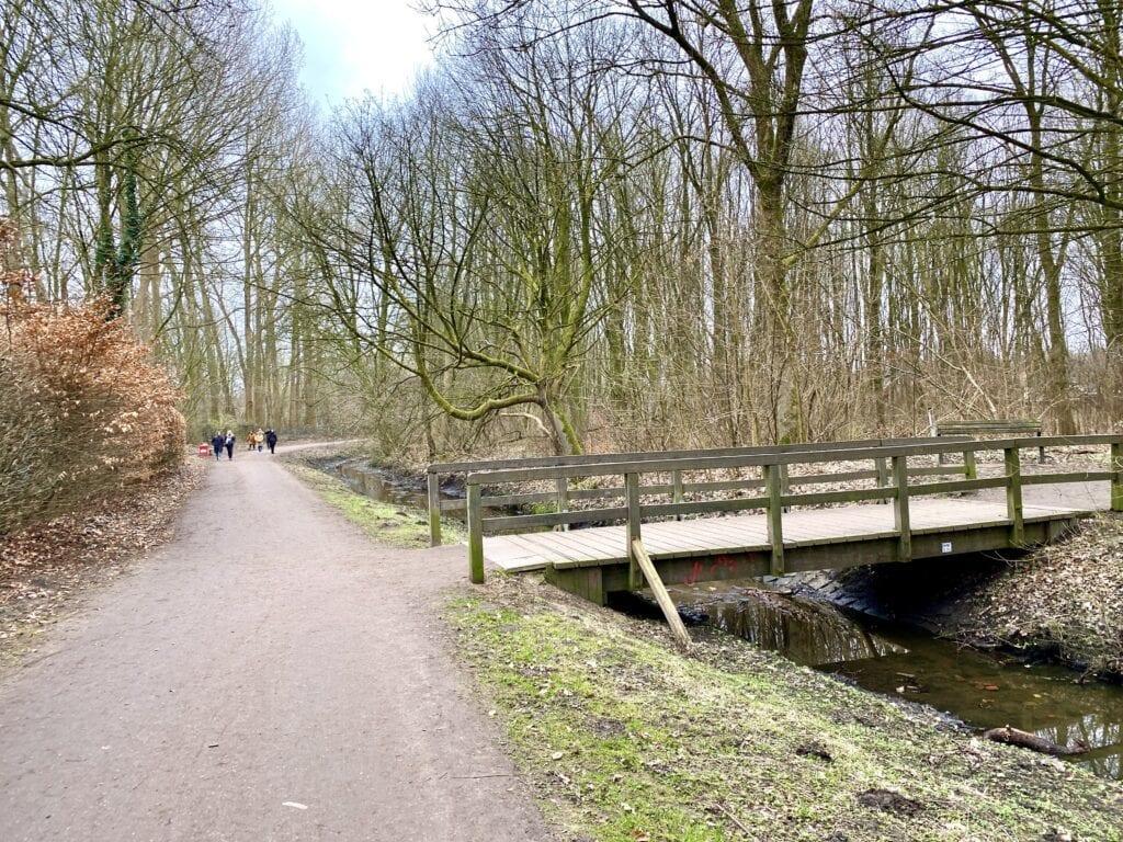 An der Kollau wandern zwischen Hamburg-Niendorf und Eppendorf